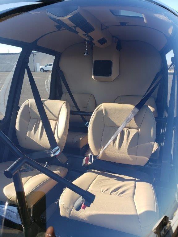 N484SH interior front seats